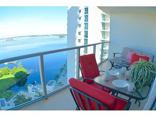 Villa Oasis - Resort Style Luxury Condo, 16. Floor, Fort Myers