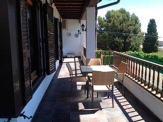 Magnifica Villa con Pista de tenis y piscina 12x6m