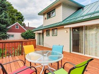 Quaint home w/ deck, patio & yard, walk to the lake and downtown!, Coeur d'Alene