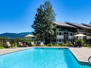 Two lakefront condos w/ stellar lake views, beach access & shared pool!