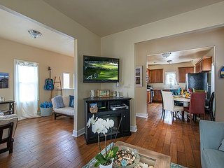 3729 Ocean Park Sanctuary ~ Walk to the Beach - AVAIL TO AT&T!, Pacific Grove