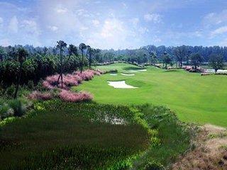 Brand New, Lovely 3rd Floor Unit, Walk to Golf!, Nápoles