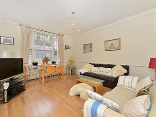 Bright and Relaxing 2 Bed Apartment in Kensington, London