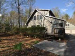 Year-Round Adirondack Chalet, holiday rental in Tupper Lake