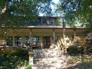 Grand View House sleeps 15 and is on waterfront, Marble Falls