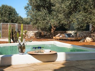 Chalet for rent in Gallipoli Padula Bianca between olive trees and near the beac