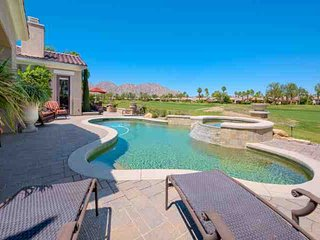 PGA West Legends Villa, Private Pool & Spa, Outdoor Bar, Fire-pit, Courtyard