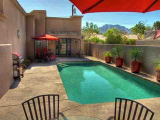 Casa at Montezuma in La Quinta Cove, Private Pool, next to Mountains and Hiking