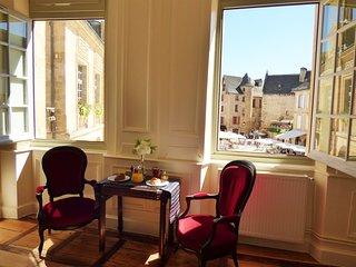 ** JULY LAST MINUTE SPECIAL RATES ** La Liberté Studio - EXCEPTIONAL VIEW! !!