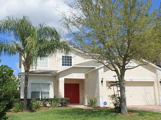 UPSCALE 5 BR 4 BA POOL HOME W/GAME ROOM IN GATED COMMUNITY NEAR DISNEY