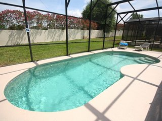 Upscale 5 BR 4 BA Pool Home in Gated Community of Legacy Park Near Disney, Davenport