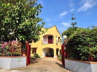 Appartamento in villa con giardino e vista mare