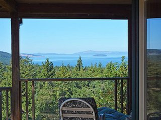 Where Eagles Soar - Secluded Home with Magnificent Views Near Friday Harbor!
