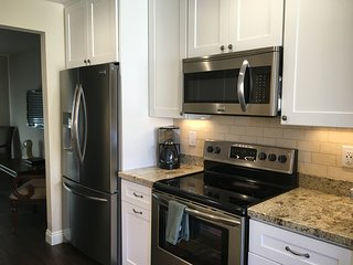 Newly Remodeled Condo.  Close to ASU, Cubs Stadium