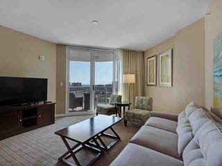 STUNNING Gulf Views From This 9th Floor Unit. Free Wifi And Free Fun Pass.Age re