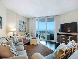 GULF & POOL VIEWS FROM THIS GORGEOUS 9TH FLOOR UNIT A THE PALMS OF DESTIN. Age r