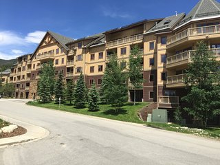 Walk to Gondola, balcony Mountain Views,  1BR/2b, Keystone