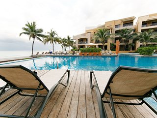 302. Corto Maltes. 2-bedroom. Beachfront., Playa Paraiso