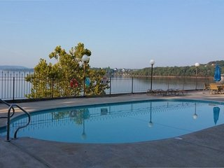 Anchor Point Lakeside 2BDR Condo