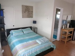 NEWLY RENOVATED AND FURNISHED STUDIO APARTMENT, Los Ángeles