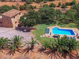 Tranquila finca con piscina en Es Llombards