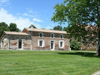 Gite en Dordogne peche, randonnees, calme assure sur propriete de 150 ha