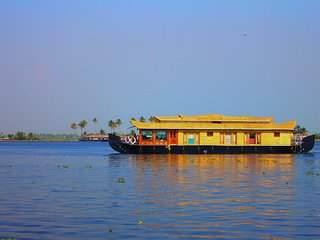 1 Bedroom Premium Houseboat, Alappuzha