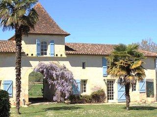 Pigeonnier Château du Rau - gîte location, Gamarde-les-Bains