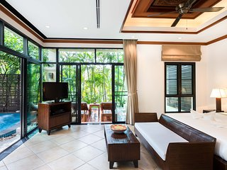 Romantic & Cozy 1 Bedroom Jacuzzi Villa at Phuket Nai Harn beach