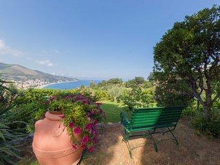 Villa Tea - villa indipendente con vista Mare, Noli