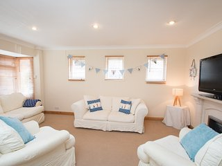 Pagham Family Getaway close to Beach & Goodwood