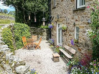 SANDBED, open plan living, off road parking, close to lovely walks in Ravenstonedale, Ref 21309