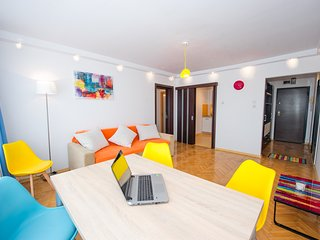 Grand Accommodation - Colors Apartment, Bucharest