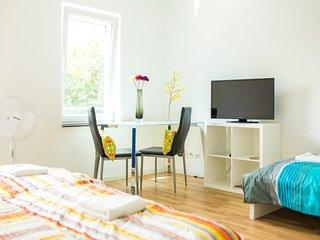 Zimmer 8: 3-Personenzimmer in Degerloch nahe Stadtbahn