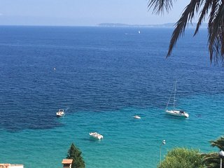 OVERLOOKING the SEA ! Villa 29 km from ST TROPEZ
