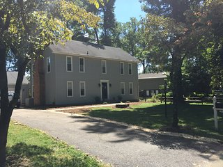 Fully Renovated Family Home, Annapolis