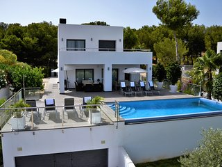LA MELIORA, modern villa by the sea!, Moraira