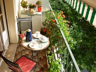 Centre Family holiday apartment, air conditioned., Nice