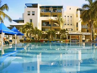 Flamingo Beach Resort - 1BR, Philipsburg