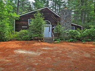Inviting North Conway Cabin 3 Mi to Cranmore Mtn!
