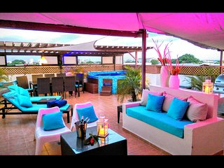 6BR tropical ambiance VIP Penthouse & jacuzzi