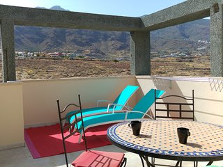 WONDERFUL SUNNY RELAXING PENTHOUSE BY THE SEA! WF, Candelaria