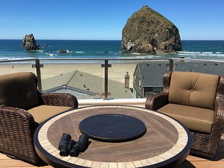 Gorgeous Views of the Beach from Every Room, Cannon Beach