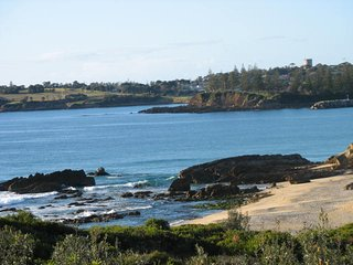 BERMAGUI BEACH HOUSE -  EXQUISITE - BEACH FRONT &  DOG FRIENDLY
