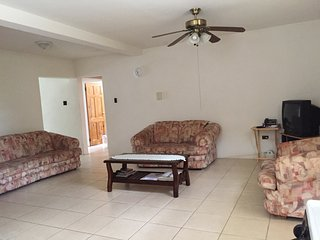 Welches Apt 3 - Spacious apartment close to the beach St Lawrence Gap