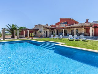 Elegant country house with pool. Golf Pollensa, Pollença