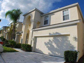 7-bedroom Windsor Hills 2-mile to Disney