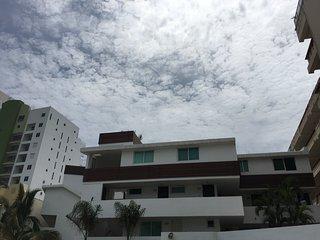 Departamento de dos pisos frente al mar