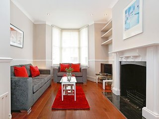 Beautiful 2-Bedroom Duplex in Chelsea, London