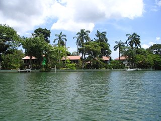 Belize River Bend Resort B & B, Ladyville